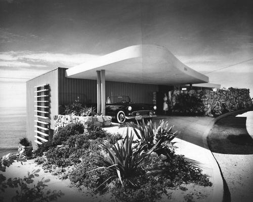 "1955 - The Richard and Eloise Spencer House, aka Spencer House III, aka the Malibu House, located above Castle Rock, Porto Marina Way, Pacific Palisades CA  ""House on a Cliff"". B photos by Julius Shulman."