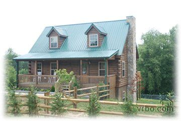 Pet friendly cabin rental w fenced yard in hendersonville for Cabins near hendersonville nc