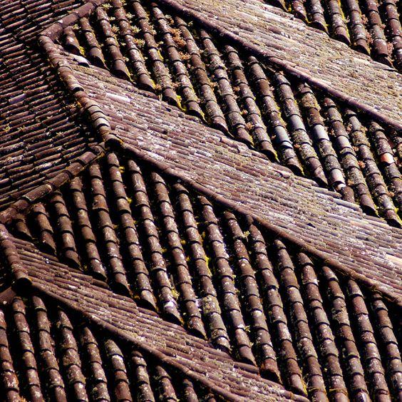 Las tejas gastadas por el tiempo   por Romulo fotos