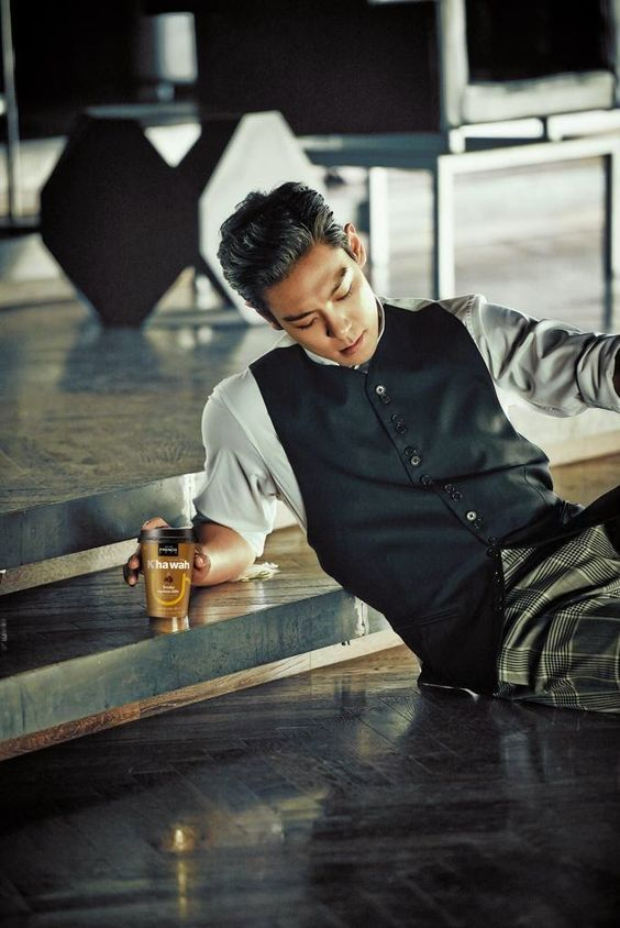 TOP (Choi Seung Hyun) ♕ #BIGBANG // French Cafe