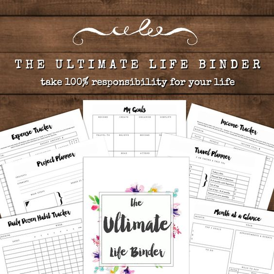 ULTIMATE LIFE BINDER - includes A5 and A4 printable kits!  Are you ready to have more focus and make more progress? I designed this Ultimate Life Binder to be as insanely useful as possible. Its full of 26 minimalist & elegant printables crafted to help you stay organised and have clarity around your projects, goals, schedule and life. WHATS INCLUDED:  26 PLANNER PRINTABLES:  - Project Planner - Health + Fitness - Income Tracker - Expense Tracker - My Budget - Travel Planner - Bill Payment…