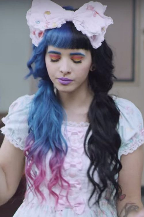 Melanie Martinez Wavy Black Blue Pigtails Split Color Straight Bangs Tri Color Hairstyle Steal Her St Melanie Martinez Split Dyed Hair Half And Half Hair