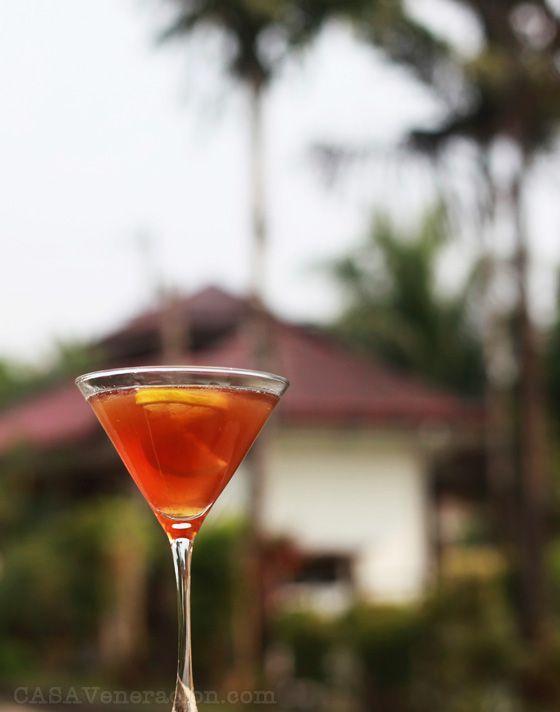 Coctel Adelita on http://casaveneracion.com This one calls for tequila and Khalua.