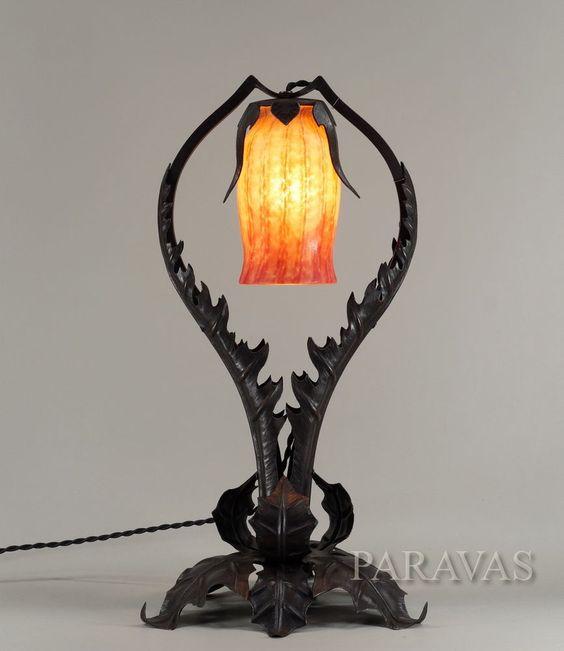 D tails sur jean keppel daum lampe art nouveau cole de for Lampe de chevet fer forge