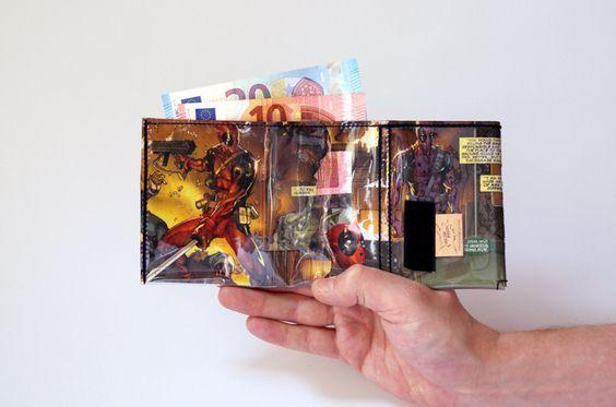 DEADPOOL Marvel Portemonnaie Comic upcycling Unikat! Geldbörse, Brieftasche, Geldbeutel Batman Comic wallet handmade in Berlin von PauwPauw auf Etsy