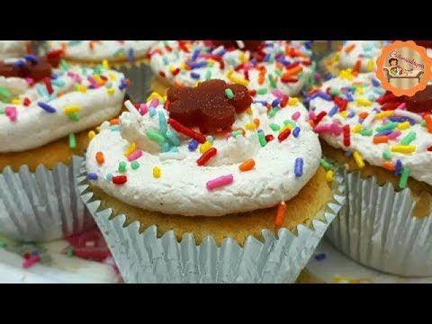 Bolo Cupcake Com Recheio Cremoso De Goiabada E Cobertura De