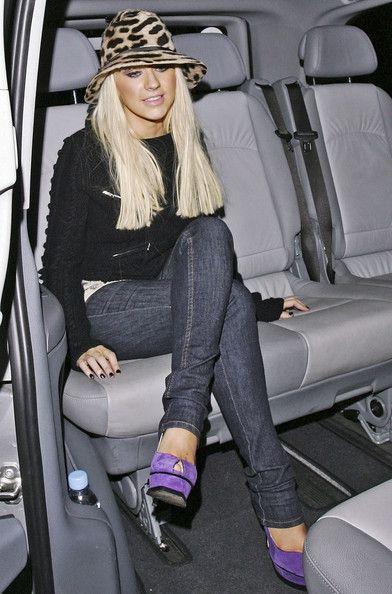 Christina Aguilera Photos - Christina Aguilera and her husband Jordan Bratman enjoy an evening out in London. - Aguilera's Night Out