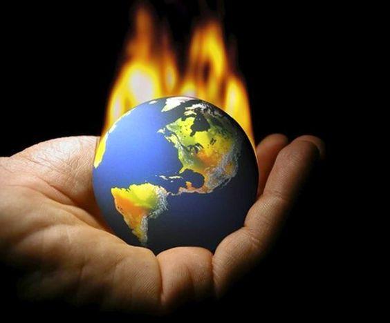 AIRLIFE MUNDIAL te dice ¿qué es el Efecto invernadero?  Recibe ese nombre un fenómeno asociado al hecho de que ciertos gases presentes en la atmósfera son capaces de almacenar radiación de onda larga, es decir, calor. La mayoría de esos gases proceden de fuentes naturales, aunque la proporción de estos gases producidos por el hombre  no cesa de aumentar y propiciar que este evento sea mas constante y continuo. http://airlifeservice.com/