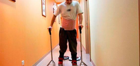 Un hombre paralizado vuelve a caminar tras un trasplante de células olfativas en su columna