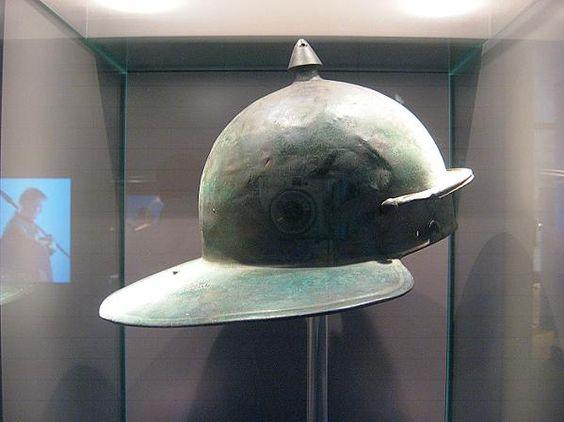 Roman helmet (Weisenau type?); Xanten