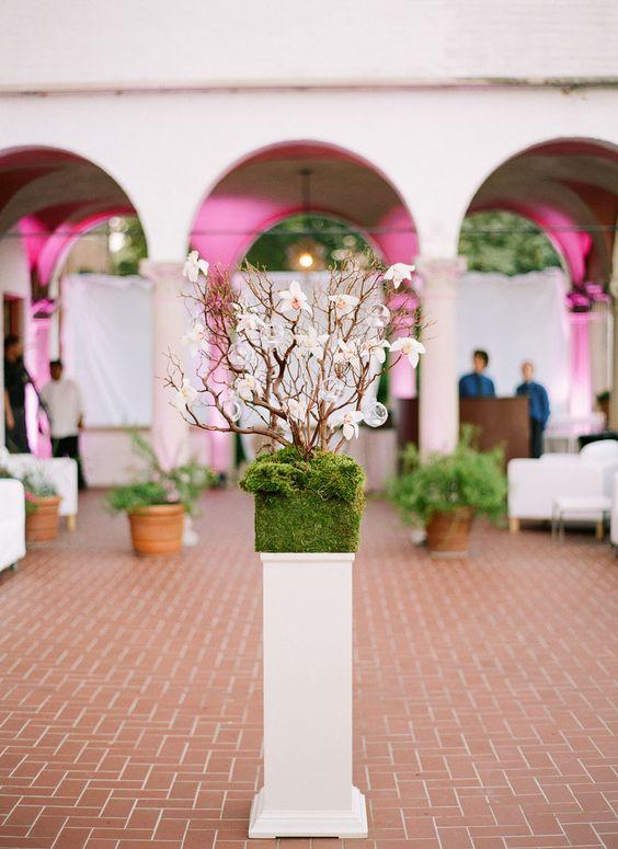 Photography: Lexia Frank Photography - www.lexiafrank.com  Read More: http://www.stylemepretty.com/2015/03/23/elegant-boysenberry-wedding-at-the-villa-terrace/