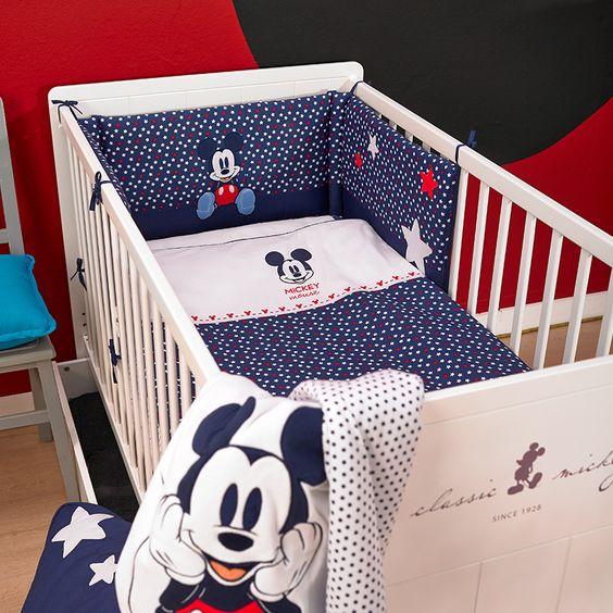chambre bébé mickey
