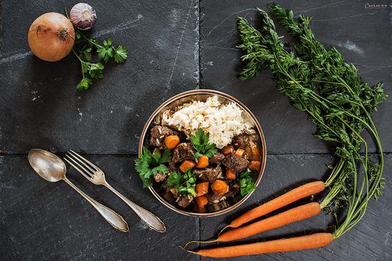 Rezept für Pilaw - Rindfleischeintopf mit Gemüse und Reis. Ein traditionelles, orientalisches Reisgericht - würzig und für die ganze Familie.