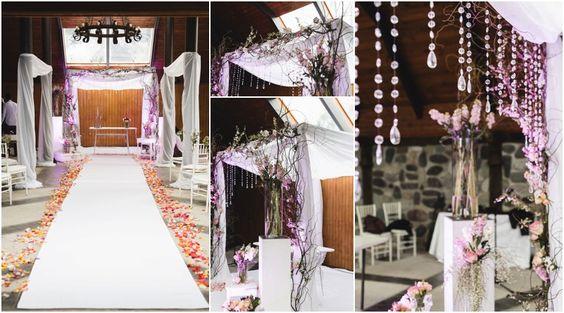 Arco para celebración de matrimonio religioso cristiano.