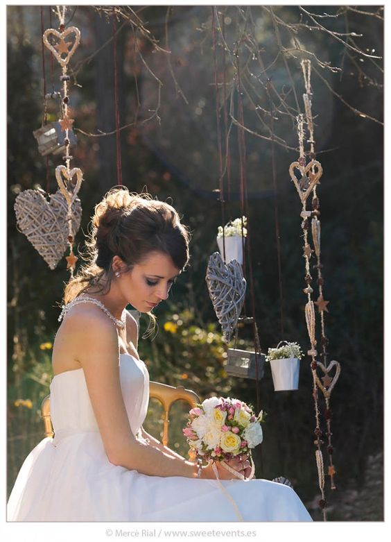Inspiration Romantic Love. Coordination: Sweet Magical Moments. Photos by Sweet Events. Romantic bride.