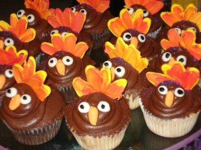 Google Image Result for http://cute-n-tiny.com/wp-content/uploads/2009/11/turkey-cupcakes-400x300.jpg