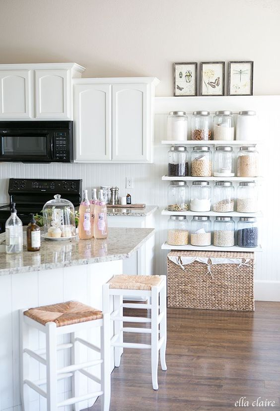 Fashionable Bright Farmhouse Style
