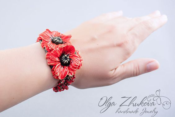 Bracelet with poppies made of polymer clay by polymerFlowers