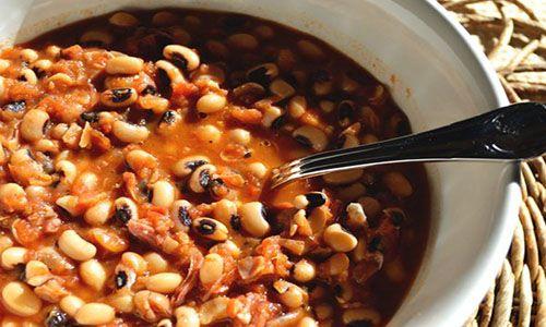 طريقة عمل اللوبيا بالصلصة فى المنزل بطريقة سهلة Blackeyed Pea Recipes Spicy Side Dish Pea Recipes