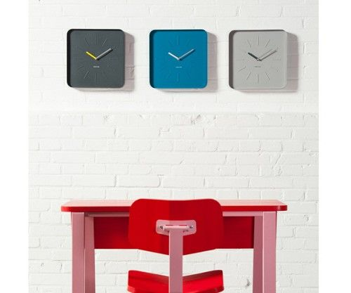 Reloj de pared CUBE gris #deco #karlsson #minimal #relojes #steel #watches Present Time #colours #wall