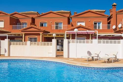 Bung Java Calpe Situated in Calpe, this air-conditioned holiday home features a terrace and a garden with a year-round outdoor pool. Guests benefit from patio and a barbecue.  There is a seating area and a kitchen equipped with a dishwasher.