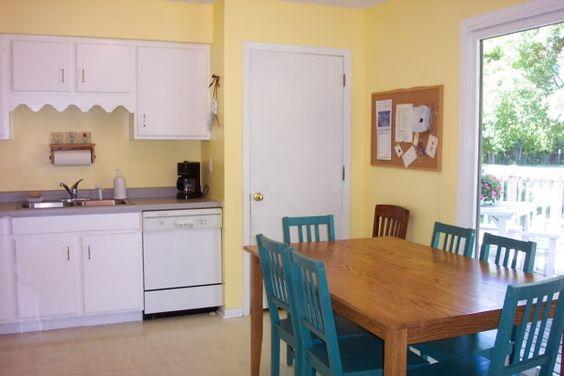 pale yellow kitchen walls anyone with a yellow kitchen kitchens