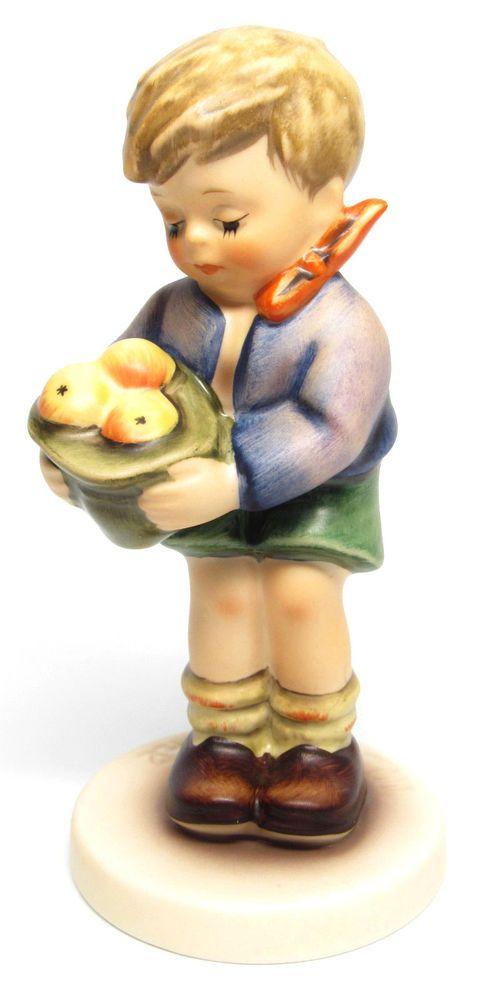 "MI Hummel Goebel Figurine "" A Gift From A Friend "" Hum 485 TMK 7 (1991-1999)"