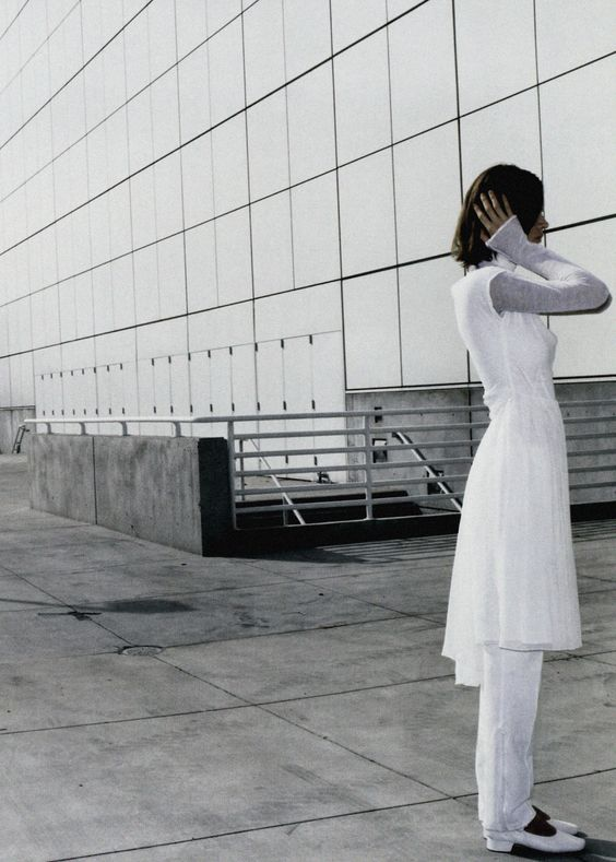 "Eva Herzigova in""Blanc Absolu""by Mario Testino for Vogue Paris April 1998."