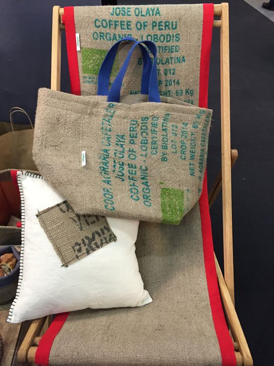 lilokawa fabricants de sacs coussins objets d co en toile de jute recycl e salon maison. Black Bedroom Furniture Sets. Home Design Ideas