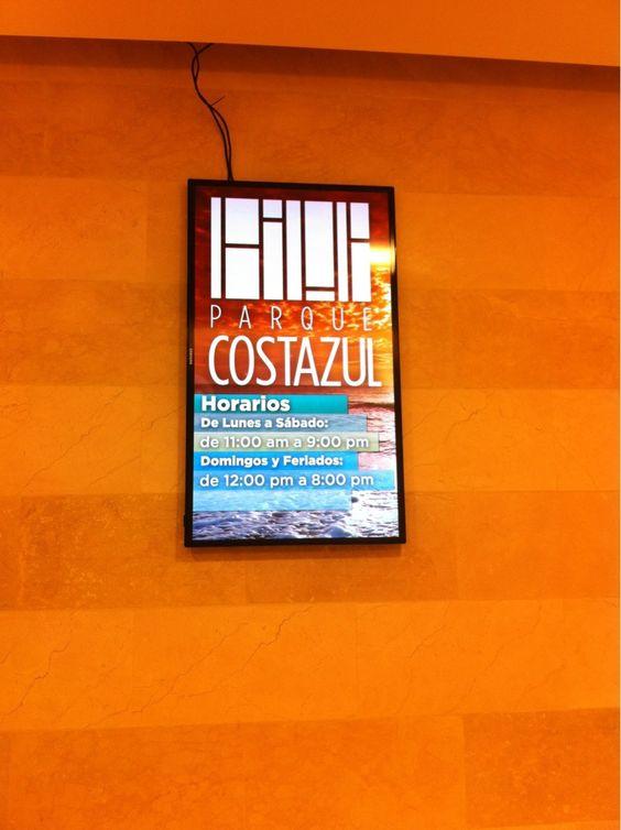 Centro Comercial Parque Costa Azul (Margarita - Venezuela) entretiene a través de pantallas - @IMVINET Digital Signage. fb.me/BdM36puP
