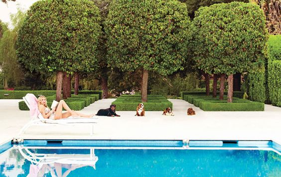 poolside.: Swimming Pools, Inspired Mansion, Ecclestone Photographed, Petra Poolside, Outdoors Pools, Magazine Radar, Hollywood Mansion