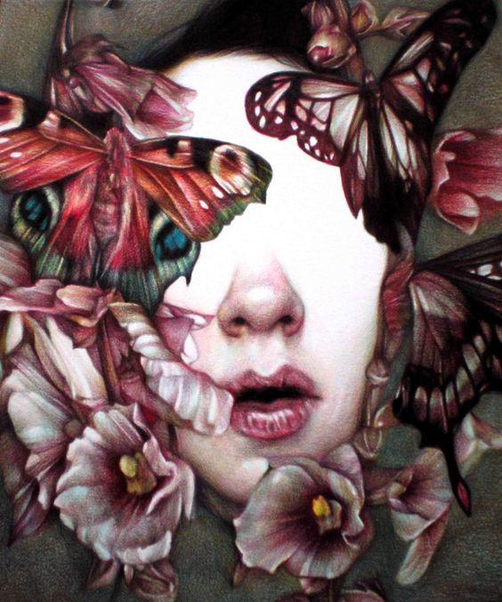 Marco Mazzoni. El trabajo de este joven artista italiano muestra un fuerte interés por la flora y la fauna, a menudo invasora de rostros femeninos, por lo que se le ha considerado principalmente un retratista. Realizado exclusivamente con lápices de colores, resulta impactante y sorprendente...