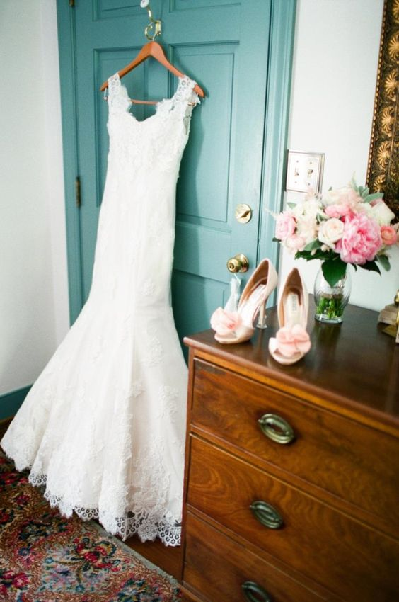 Pink Badgley Mischka Wedding Shoes, photo by Rachel May (via 7 Wedding Shoe Rules via EmmalineBride.com)