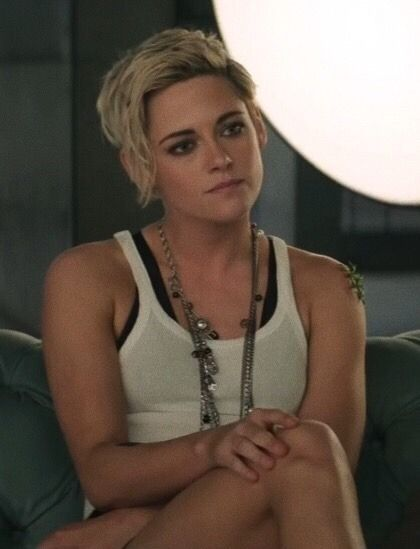 kristen stewart in charlie's angels is officially my favourite thing ever.