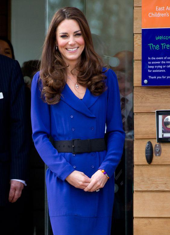 kate middleton robe bleu zara - Recherche Google