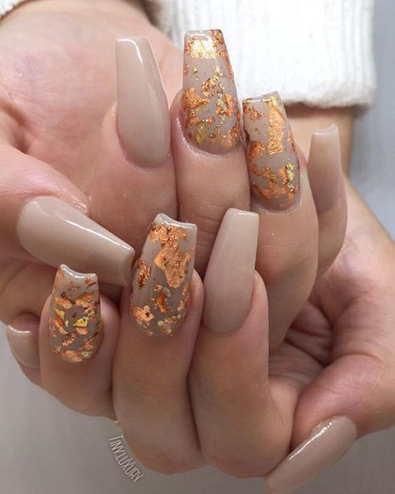 60 Cute Fall Nail Designs You Need To Try Brighter Craft Gold Nails Gorgeous Nails Foil Nails