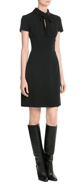 Office-Meeting, Vernissage, Cocktailempfang - das Etui-Dress aus Stretch-Jersey funktioniert auf jedem Parkett. Von Hugo #Stylebop