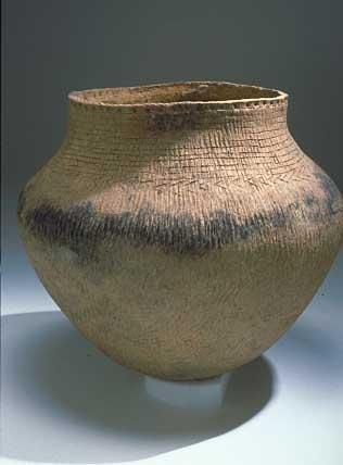 Clay vessel dated 600 A.D. with evidence of wild rice | The Ojibwe People's Dictionary