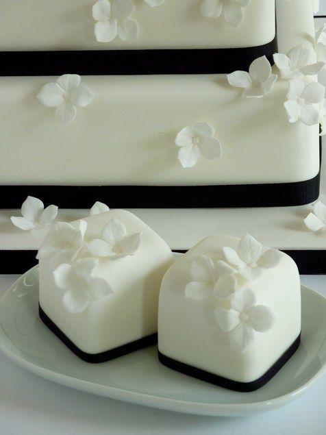 Small wedding cakes - Cakes - YouAndYourWedding