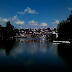 """2. Parque de Los Lagos  """"El recorrido por los lagos artificiales de Xalapa, es una actividad que, tienes que, hacer si nos visitas"""""""