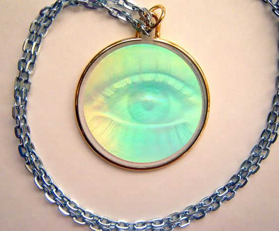 Hologram Necklace - I had this eye one.