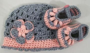 Baby Girl Gift Set--Baby Hat and Booties Set-Baby Shower Gift-Made in the USA-