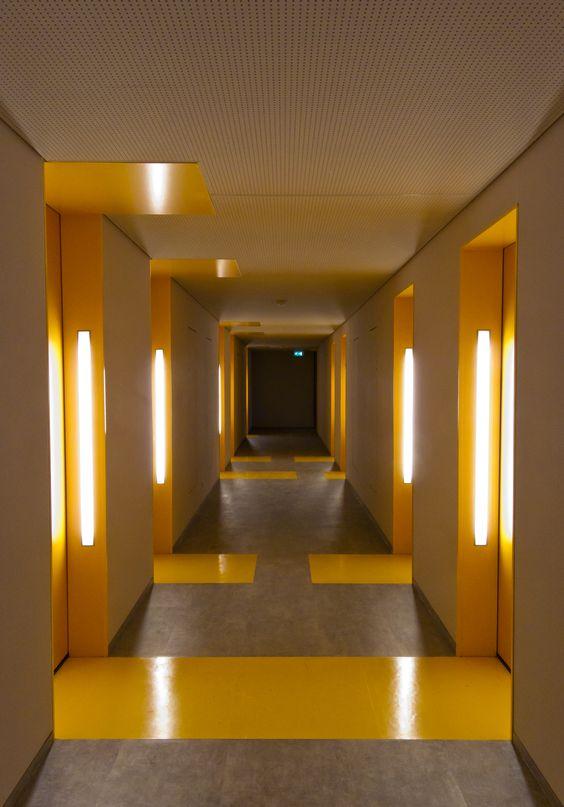 Duwo student housing hallway at uilenstede amstelveen for Color design hotel