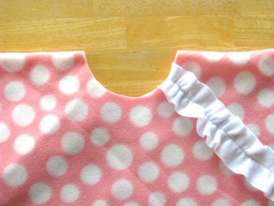 Sweet and super simple toddler poncho, must make!