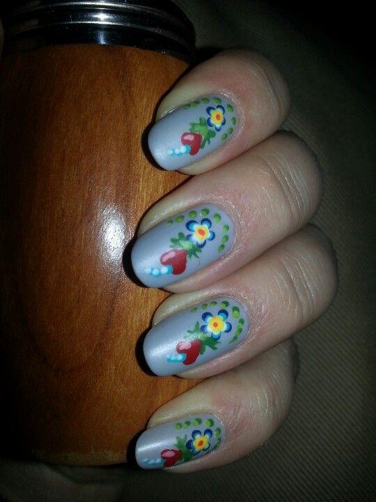 Folklore nails. Kurbitsnaglar