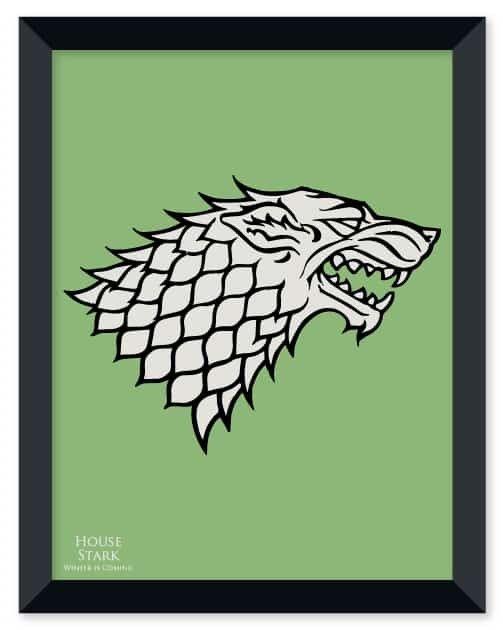 Poster de Game Of Thrones - House Stark com moldura em madeira nas cores preto ou branco, 30 x 40 cm, impresso com papel de alta qualidade - 250g/m² e em alta definição! Acompanha fita adesiva especial para aplicação na parede.