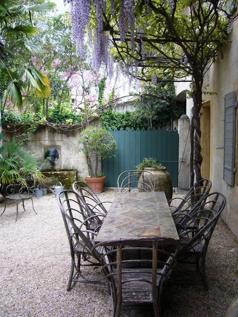 The wonderful gardens of Dominique Lafourcade in Provence. Romantic French Country Garden Courtyard Ideas. #frenchcountry #courtyard #garden #dining #provence