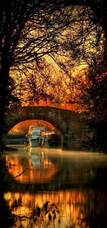 Sunrise on the Ripon Canal, North Yorkshire, England.  It was built by the canal engineer William Jessop to link the city of Ripon to York and Hull.  It was opened in 1773 and abandoned in 1956.  In 1961, members of the Ripon Motor Boat Club formed the Ripon Canal Company, Ltd, and gradually restored the canal up to Littlethorpe.  Photo: Robert Biggs - Google+
