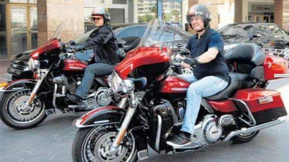"""La Harley Davidson de Boudou también está """"floja de papeles"""" Al igual que el Audi A4 en el que se movilizaba su novia Agustina Kämpfer, el vicepresidente registró la motocicleta en un domicilio en el que nunca vivió"""