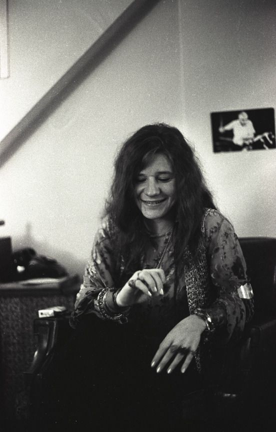 Just Trying To Keep My Mind Off My Mind Not Sure If This Was A Backstage Shot But It Is Janis Joplin Great Bands Joplin